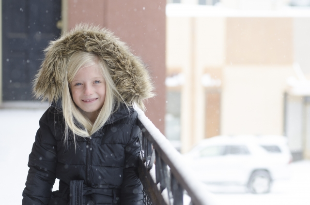 北欧の冬場の子供