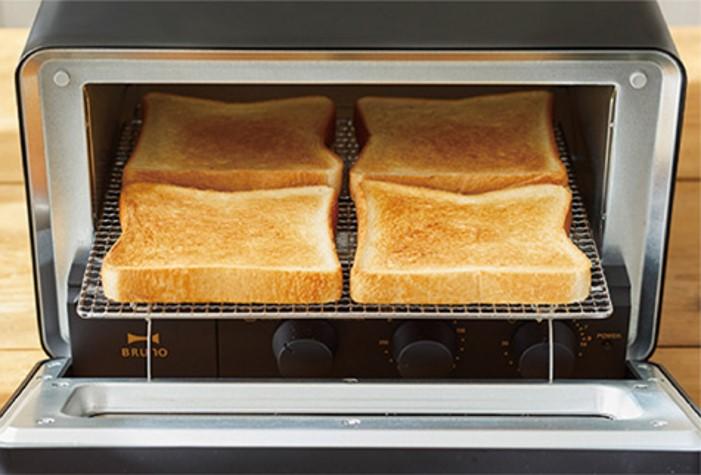 ブルーノ スチーム&ベイク トースターはトースト4枚焼きができる